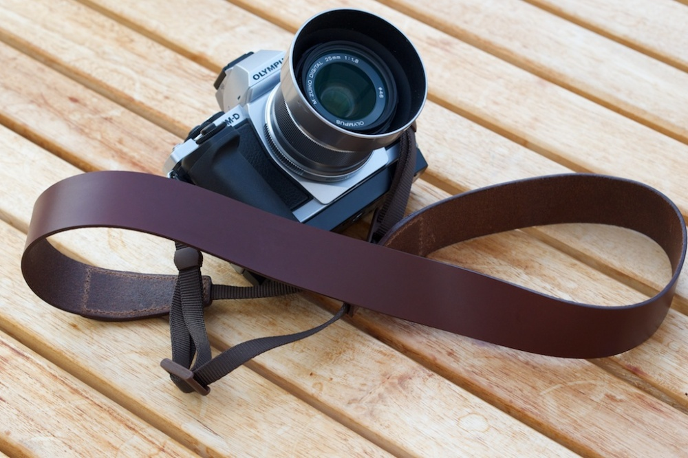 Cam-in Strap on PM-D E-M5