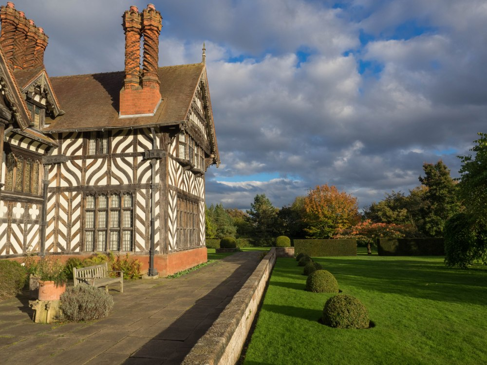 October - Autumn at Wightwick