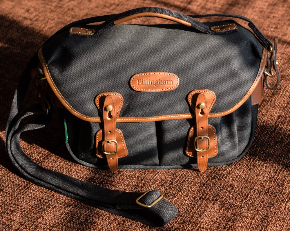 Hadley Small Pro with Carrying Handle